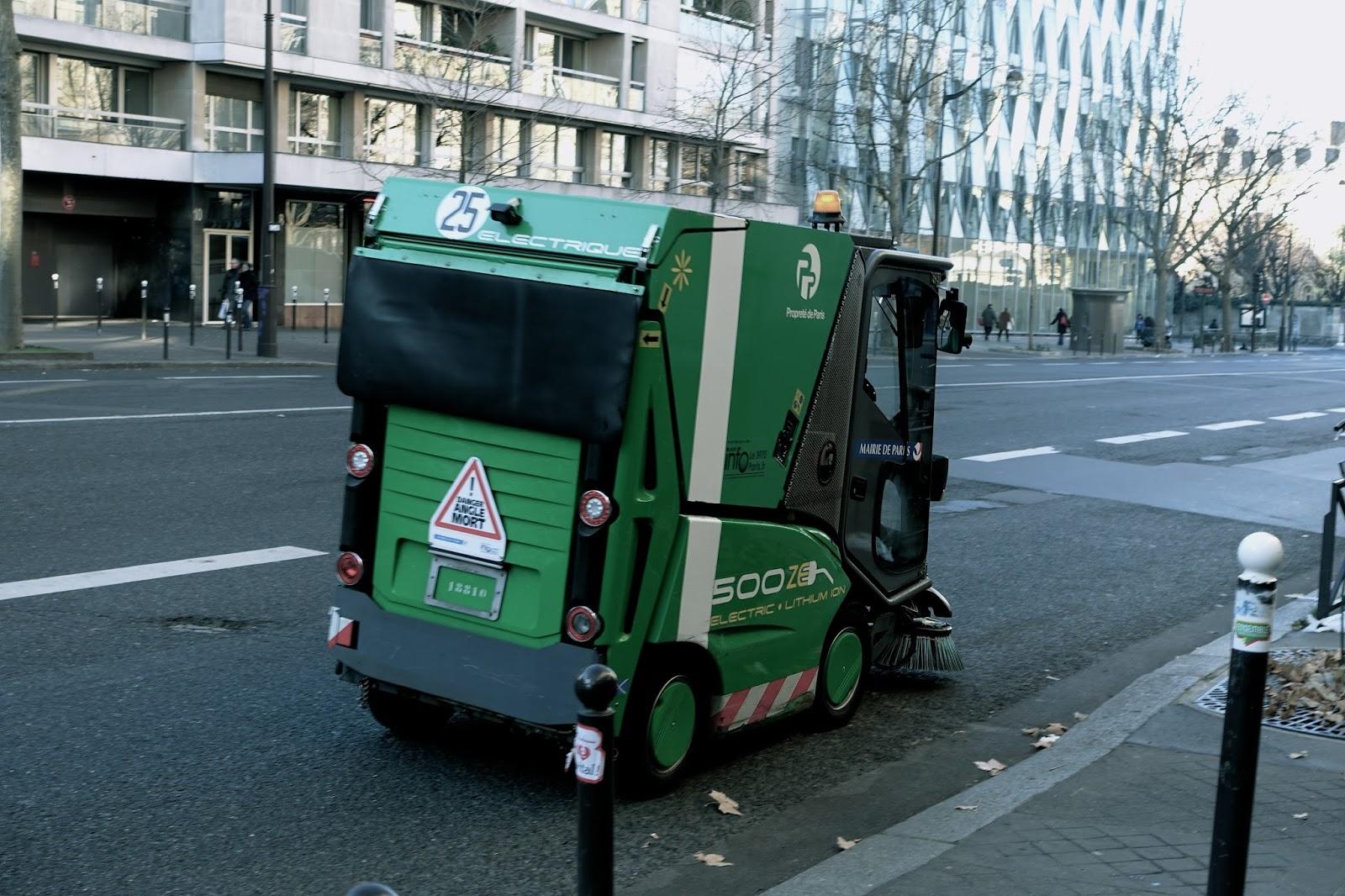 パリの路面清掃車