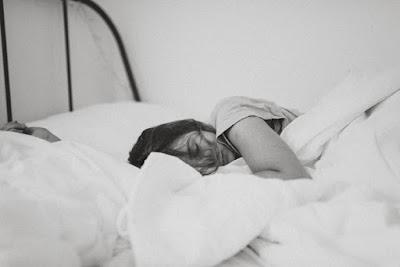 كيف تنام بسرعة في 8 خطوات