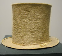 A top hat.