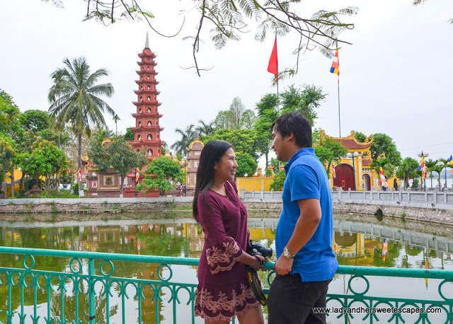 Ed and Lady in Tran Quoc Pagoda