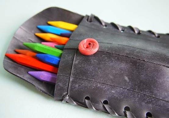 estuche para colores hecho con llanta de bicicleta reciclada