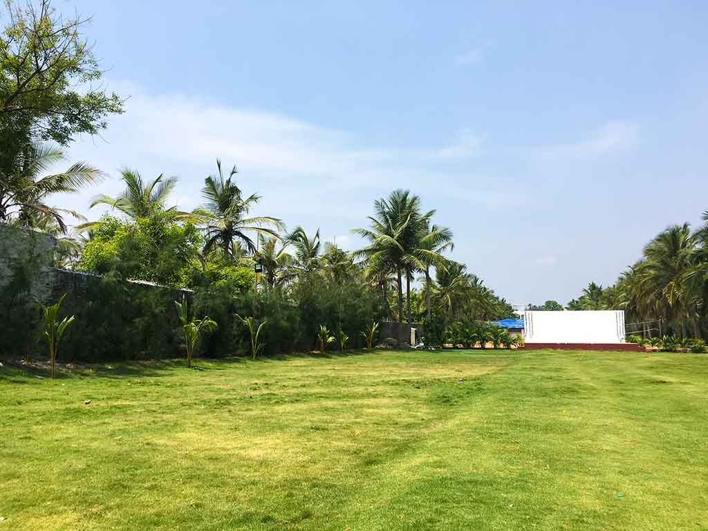 resorts in ecr for day outing