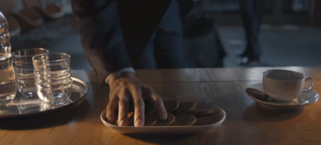 Ginger Nuts on BBC's Sherlock S4:E1