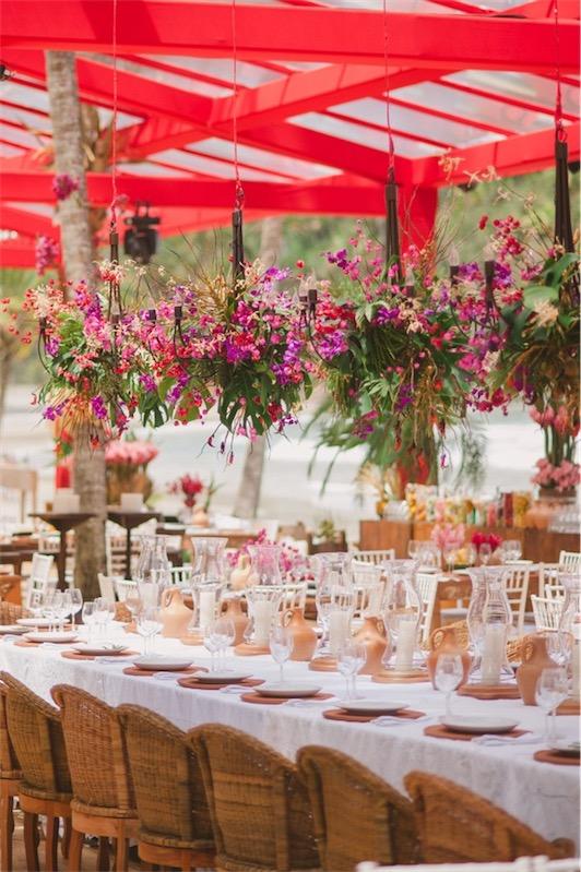 centros florales para boda que cuelgan del techo chicanddeco