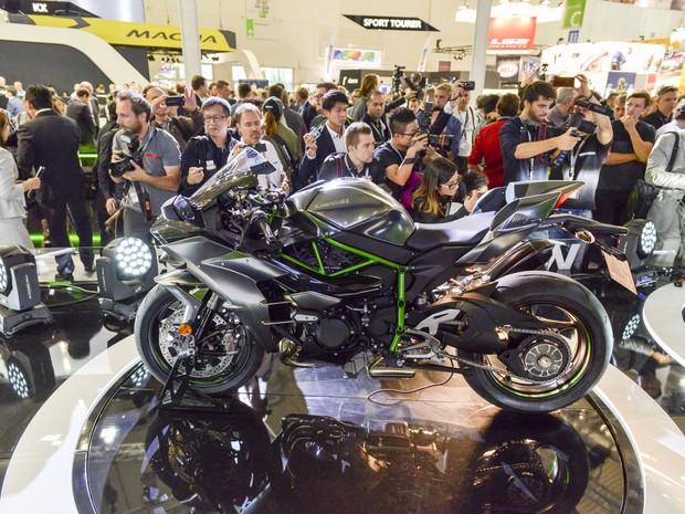 Nova Kawasaki Ninja H2 Carbon 2017 sai por R$ 164 mil
