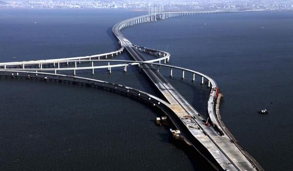 Dünyanın deniz üzerindeki ''En Uzun Köprüsü'' hangi ülkede yer almaktadır?