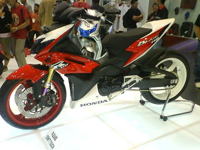 Kumpulan Gambar Modifikasi Honda Blade Terbaru 2013