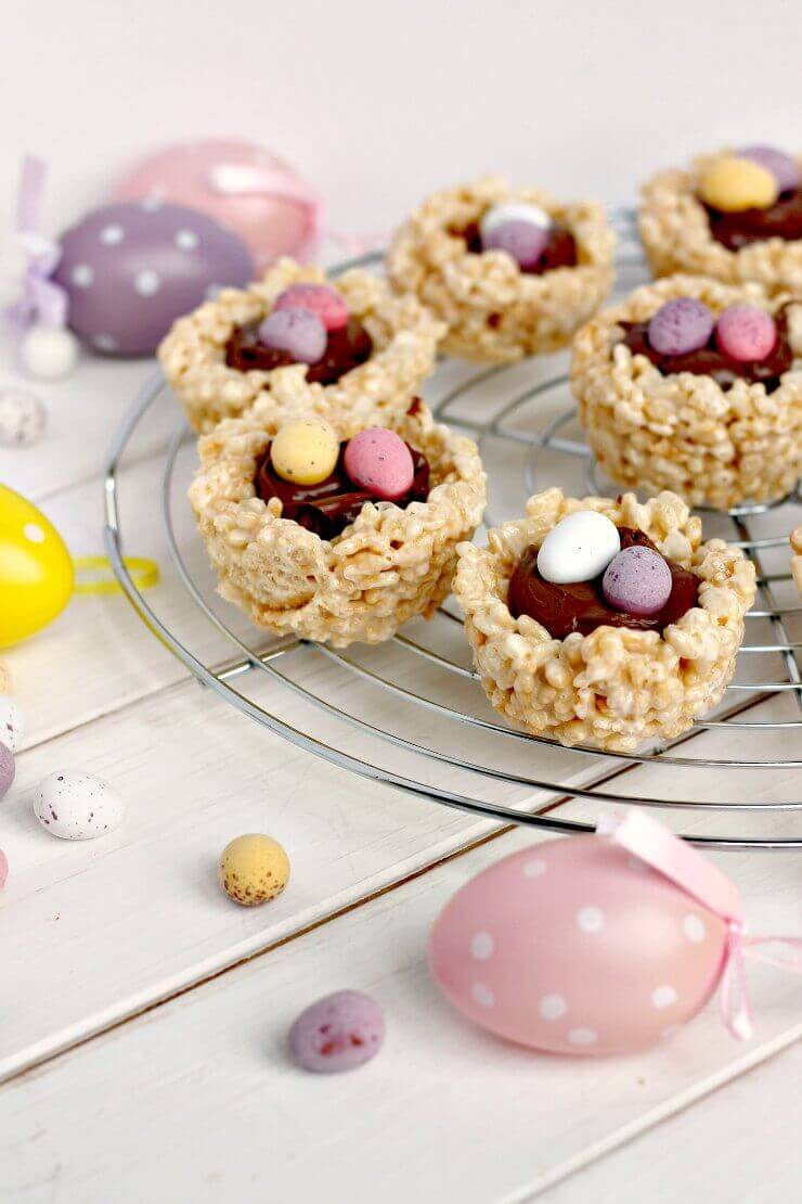 Mini Egg Nests filled with chocolate spread