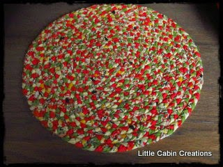 A Regular Sized Braided Circle Rug Is Started By Doing 3 Or 4 Turning Braids Link Below See How It Forms Candy Cane Shape