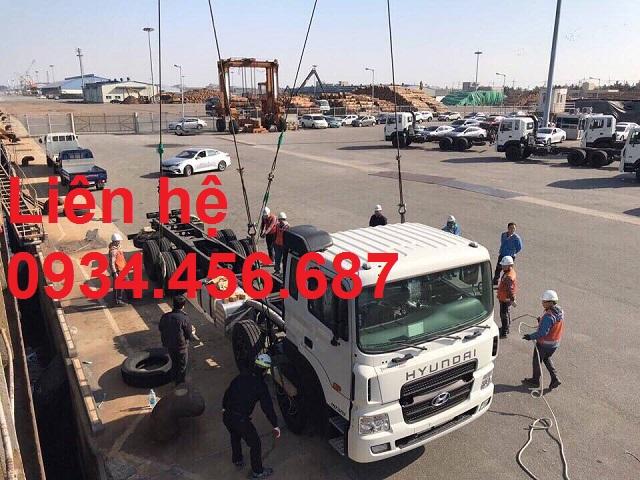Giá lăn bánh xe 4 chân Hyundai HD320