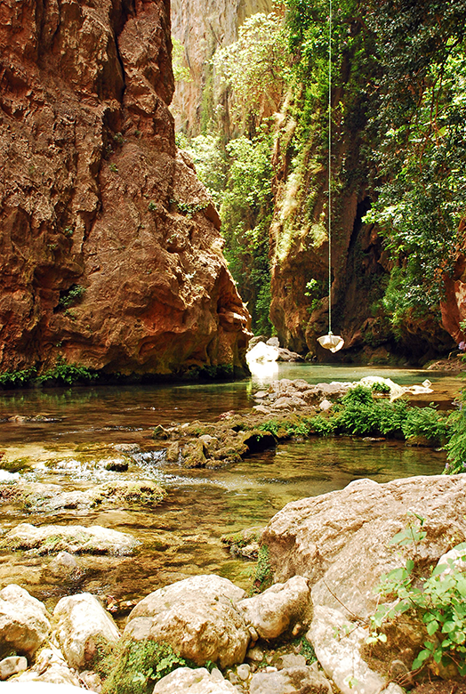 el río bajo el Puente de Dios, Akchour
