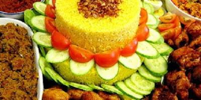 tips Memasak Nasi Kuning Maknyus