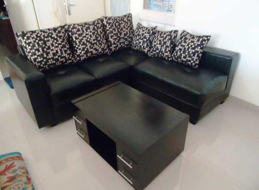 Sofa Minimalis Hitam Putih