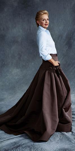 Bajo falda mama joven en regla 4