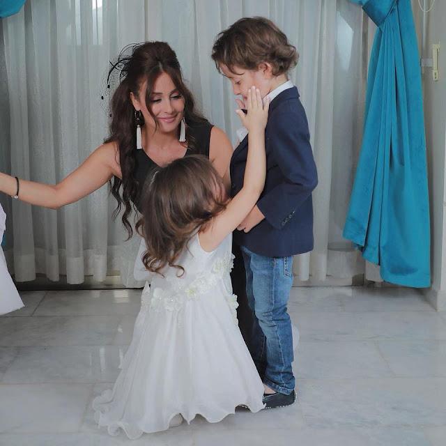 أحدث جلسة تصوير للفنانة كندا حنا مع عائلتها