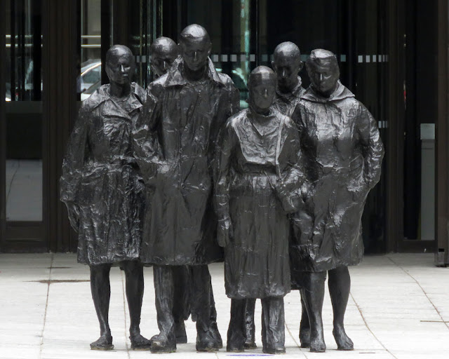 Rush Hour by George Segal, Finsbury Avenue Square, Broadgate, London