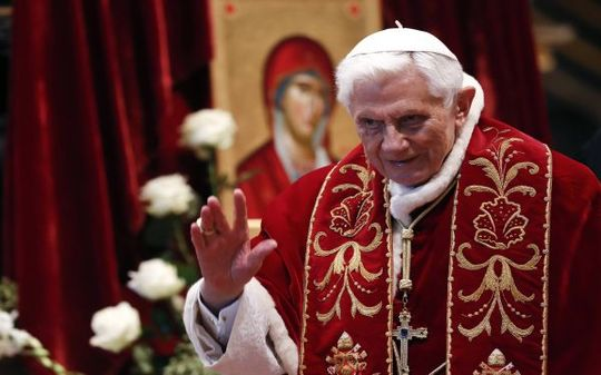 Benedicto XVI renuncia al papado
