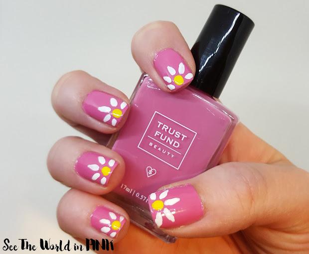 manicure monday daisy nail art