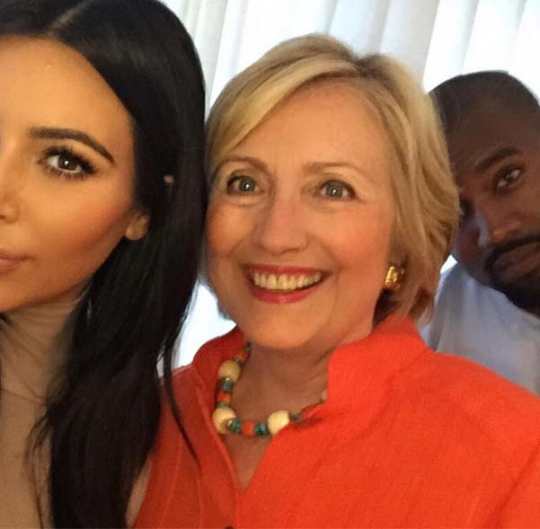 Kim Kardashian made selfi with Hillary Clinton