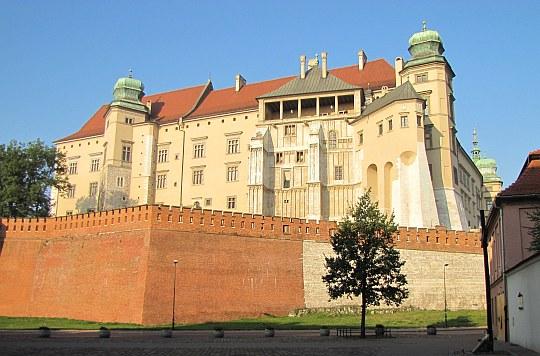 Kraków. Rezydencje królewskie Zamku Wawelskiego (widok od północy).