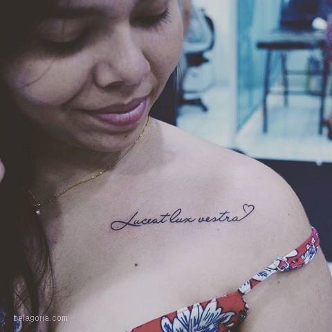 tatuaje de frase en latin lucia lux vestra