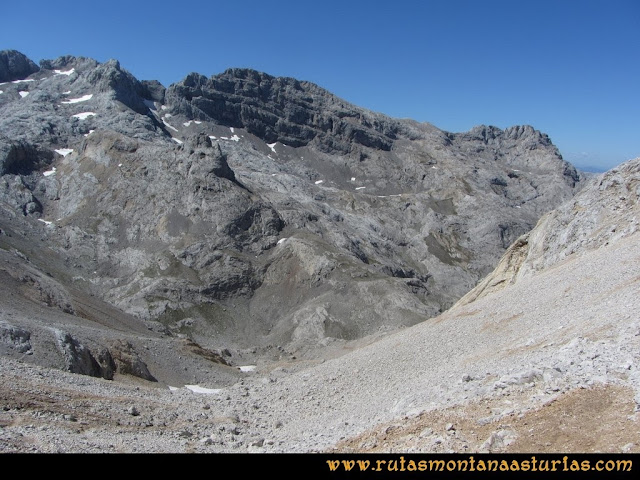 Ruta Cabrones, Torrecerredo, Dobresengos, Caín: Bajando por Dobresengos al Jou Grande Cimero