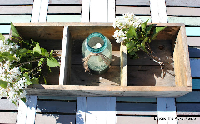weathered wood, pallets, crate, build it, rustic, centerpiece, organization, http://bec4-beyondthepicketfence.blogspot.com/2016/06/weathered-wood-pallet-crate.html