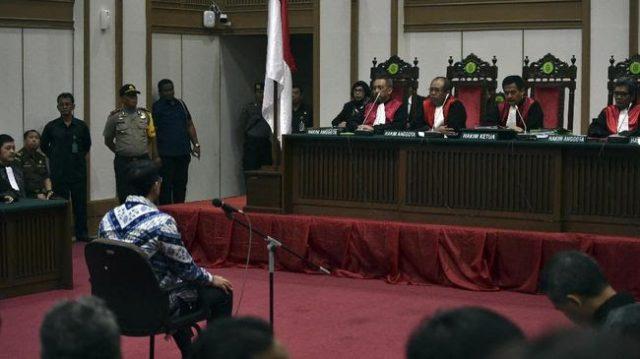 Catat Nih! MA Tak Temukan Pelanggaran Tiga Hakim yang Vonis Ahok