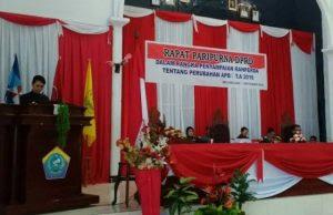 Bupati SWM saat Rapat Paripurna DPRD Kabupaten Kepulauan Talaud dalam rangka penyampaian Ranperda Tentang Perubahan APBD Tahun Anggaran 2016.