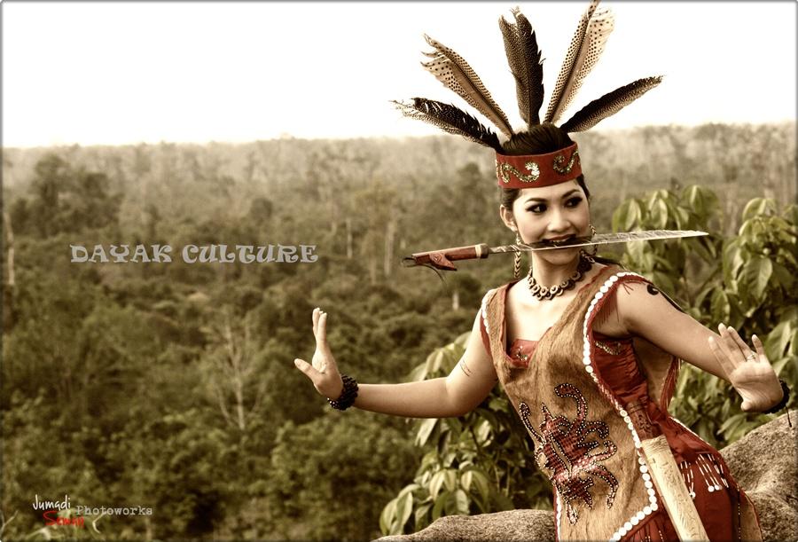 Monster Bego: Style Wanita Dengan Balutan Indian (Native