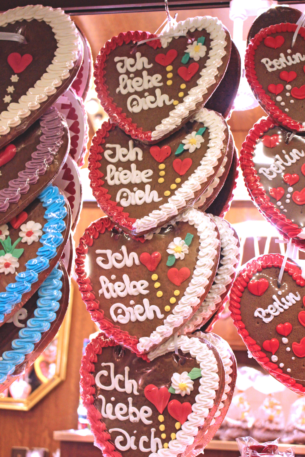 German gingerbread heart biscuits at the Berlin Christmas markets - travel & lifestyle blog
