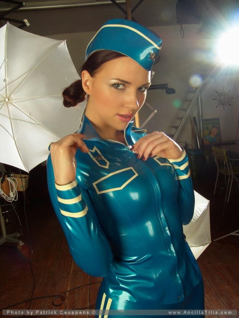 латекс стюардесса фото вот, который месяц