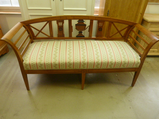 antike m bel biedermeier bank um 1820 aus kirschbaum. Black Bedroom Furniture Sets. Home Design Ideas