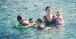 H Ολυμπία Χοψονίδου βούτηξε για τον Σταυρό με τα τέσσερα παιδιά της