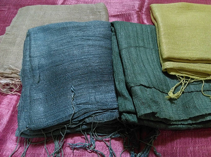 Cách phân biệt vải đũi tơ tằm