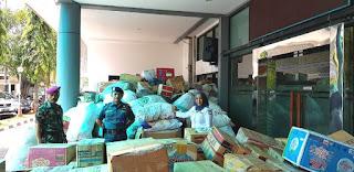 Bantuan Korban Gempa Masih Berdatangan ke Posko Kantor Kesyahbandaran Pelabuhan Tanjung Priok