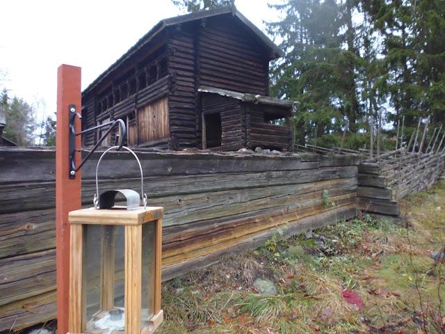 Una de las casas típica de madera dentro del parque Skansen (@mibaulviajero)