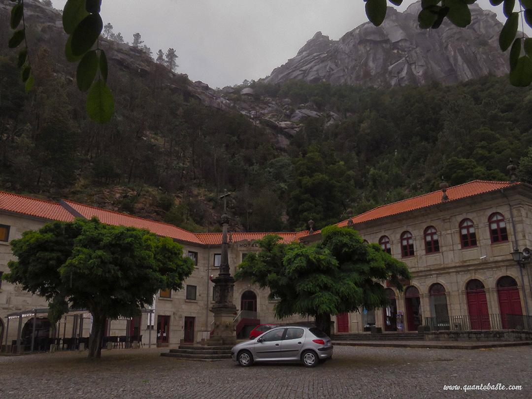 Parque Nacional Peneda-Gerês - Antigo dormitório do Santuário de Nossa Senhora da Peneda