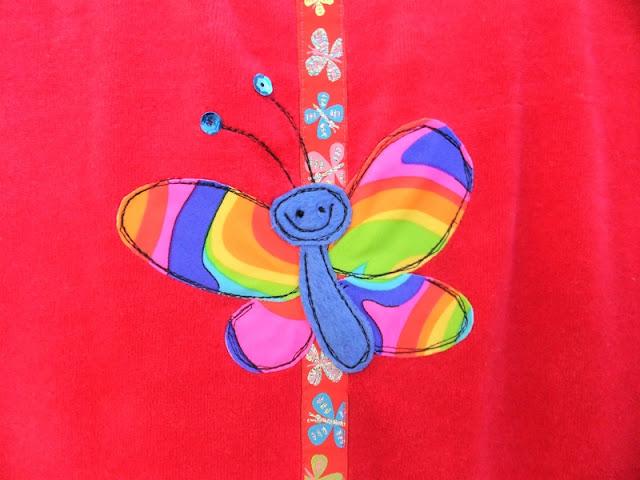Amelie aus Nicki mit Schmetterlingen