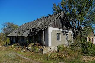Новоекономічне (Каракове). Покинута домівка по вул. Пархоменка