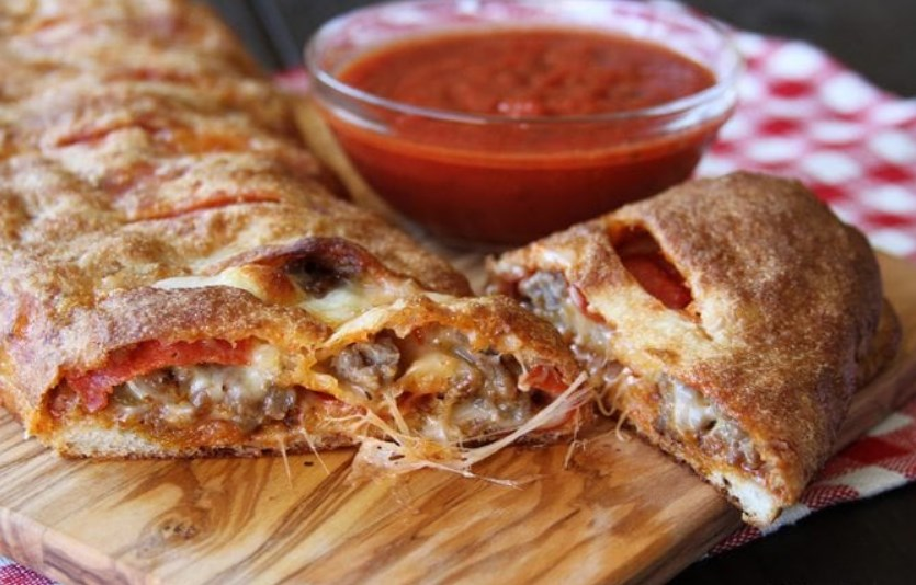 Easy Stromboli #easyrecipe #dinner
