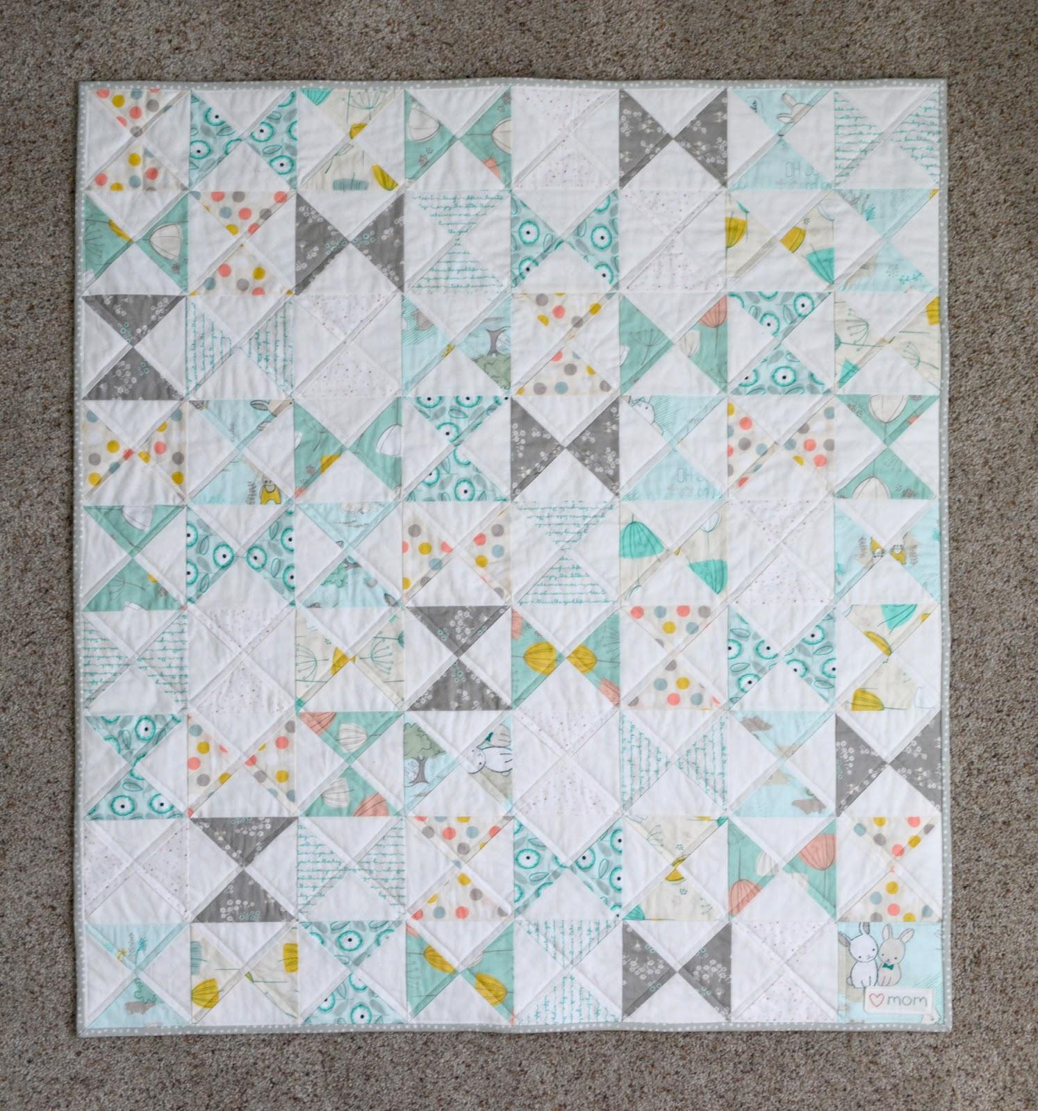 cozy birdhouse | hourglass quilt