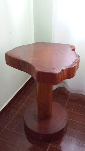mesa lateral rústica