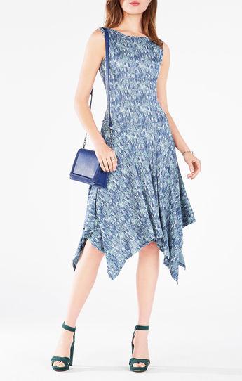 Bellos Outfits de moda | Vestidos  en tendencia azules }