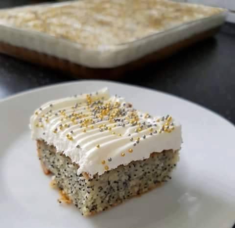 Haşhaşlı İrmikli Kek Tarifi