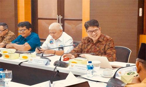 H.Herman Deru, Sambut Niat  Baik PT Bukit Asam  Untuk Bangaun  KEK  Muara Enim