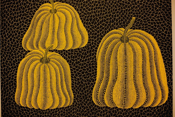 yellow spotted pumpkins yayoi kusama