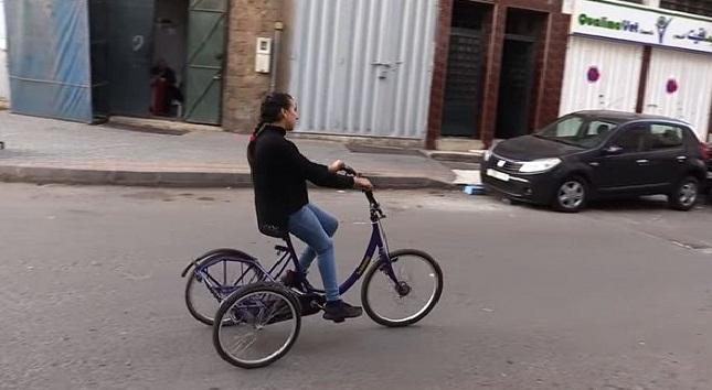 """""""خولة"""" تشكر الفايسبوكيين بعد استعادة دراجتها المسروقة"""