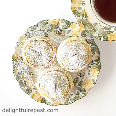 Mince Pies - A British Classic / www.delightfulrepast.com