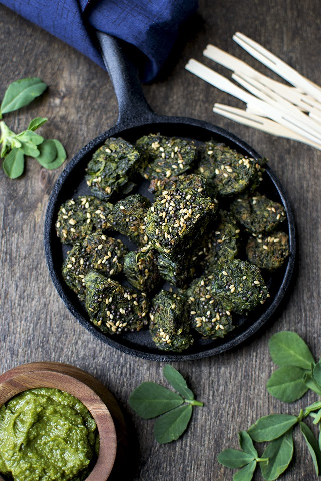 Gujarati Steamed Spinach Dumplings